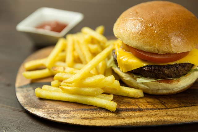 Image of Childrens Cheeseburger and Chips
